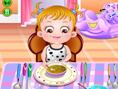 Hazel Bebek Yemek Yiyor